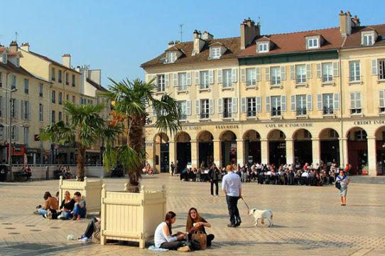 Saint Germain en Laye, a quiet city near Paris and La Défense