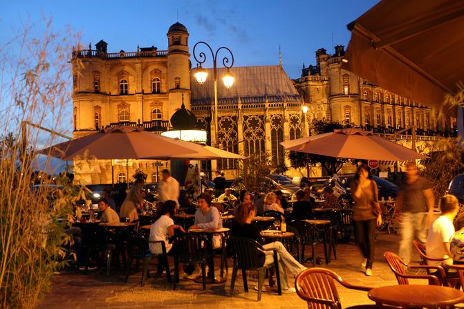 Living in France : Saint Germain en Laye by night