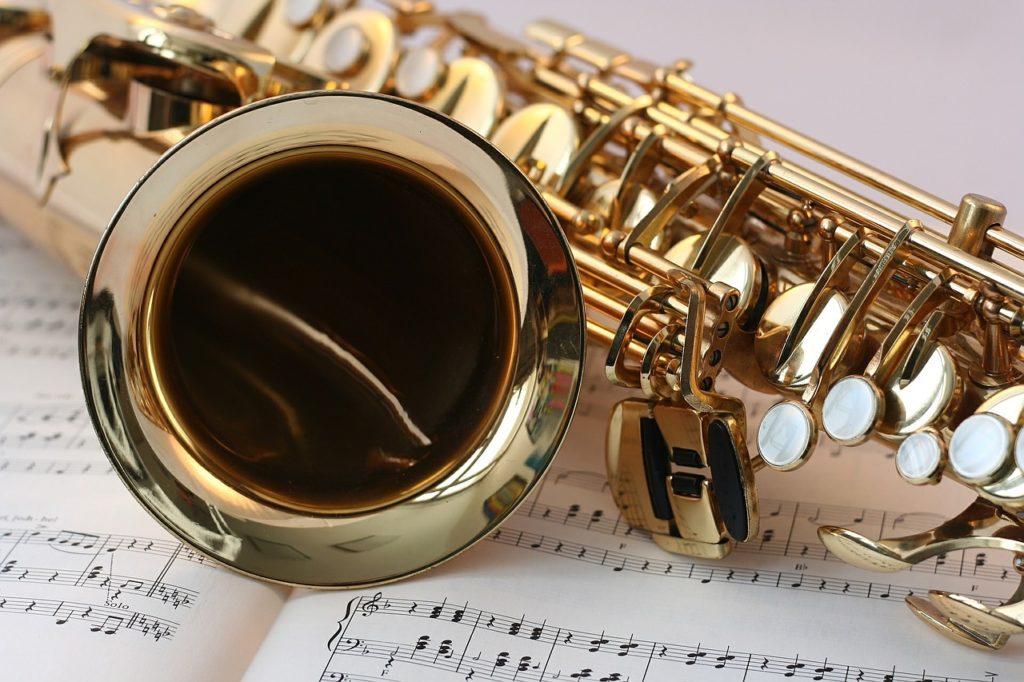 Associations : music instrument practice